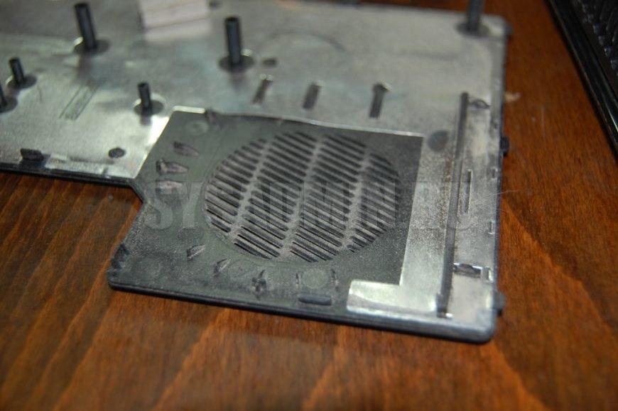 задняя крышка ноутбука
